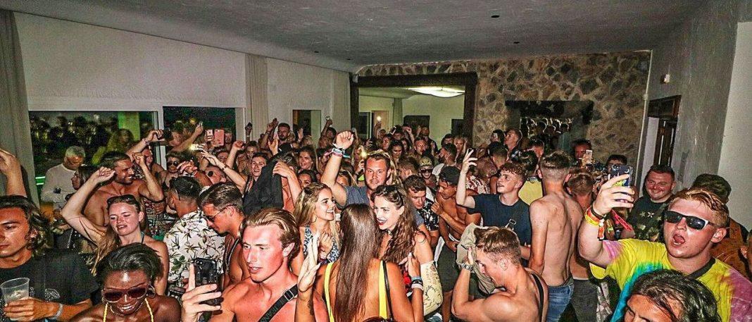 Ocio de Ibiza proposes banning DJs who perform at illegal parties